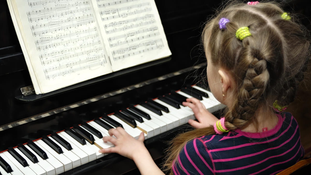 Should Every Student Play an Instrument? What MSEd Students Should Know About Music and the Brain