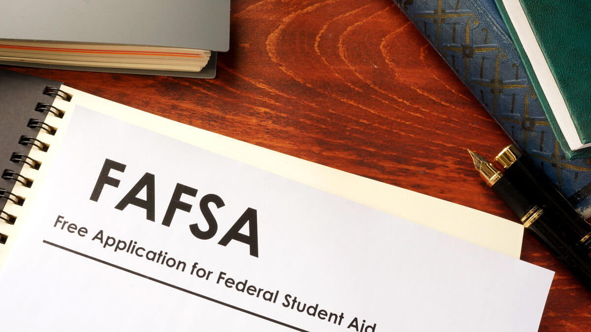 How to Complete Your FAFSA When Applying to Online Programs