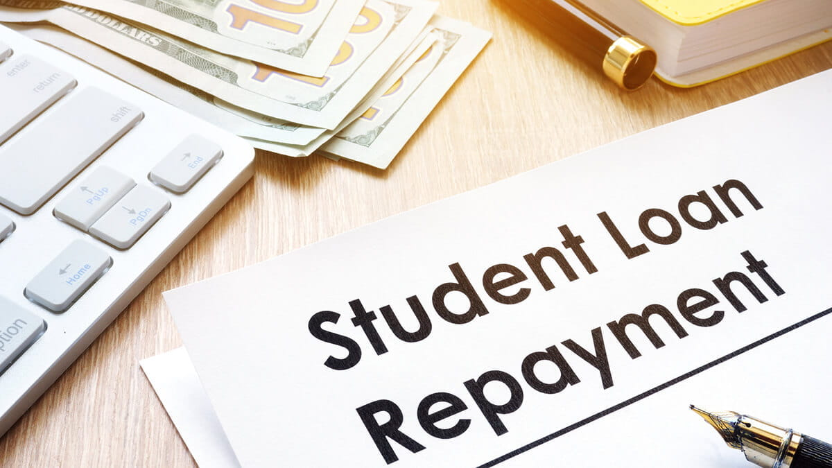 4 Tips for Paying Back Student Loans