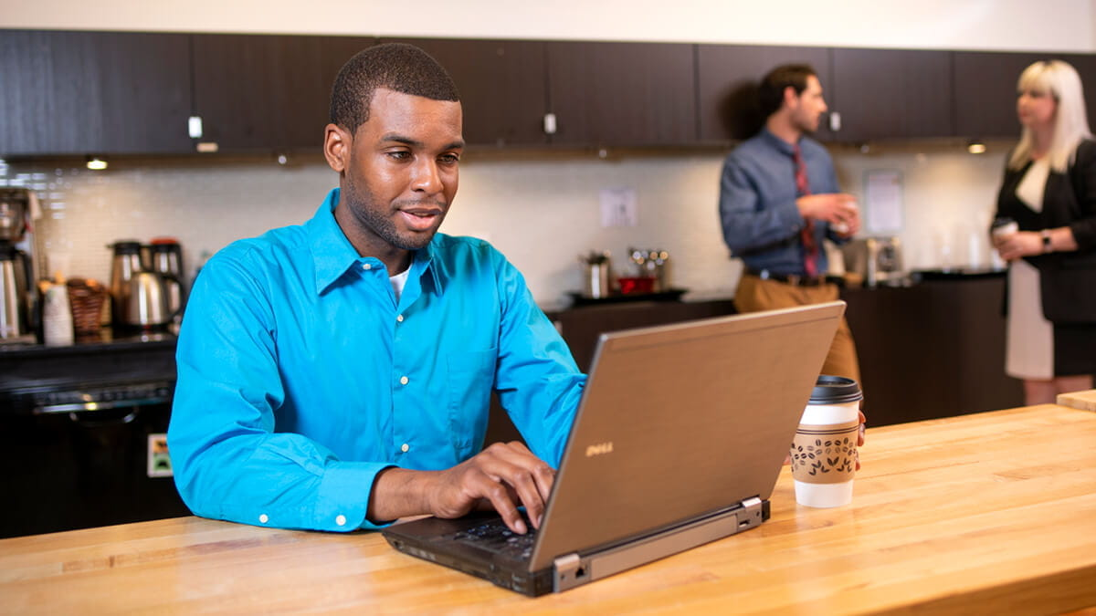 10 Success Tips for Working Adults Enrolling in Online Degree Programs