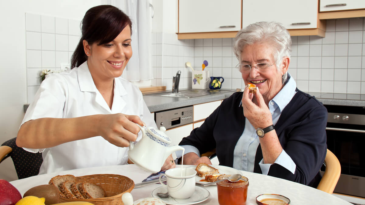Care at Home Instead of a Senior Living Facility: An Alzheimer's Safety Check