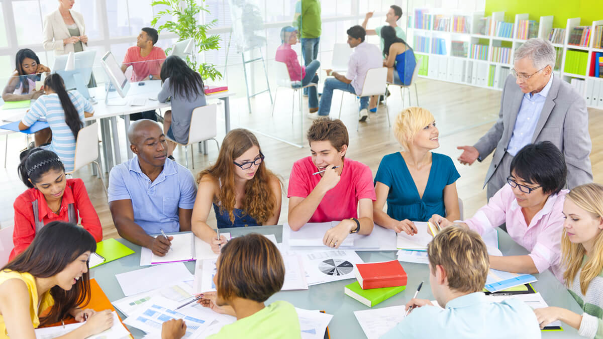 10 Tips for Teaching Large Classes