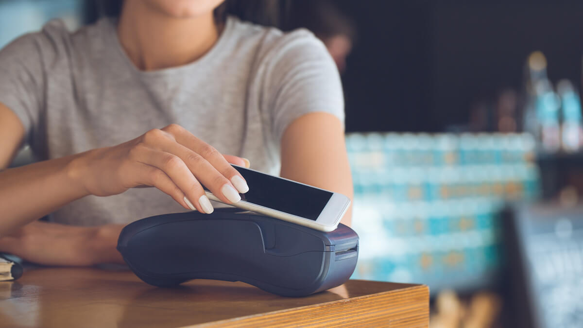 Should We Become a Cashless Society?