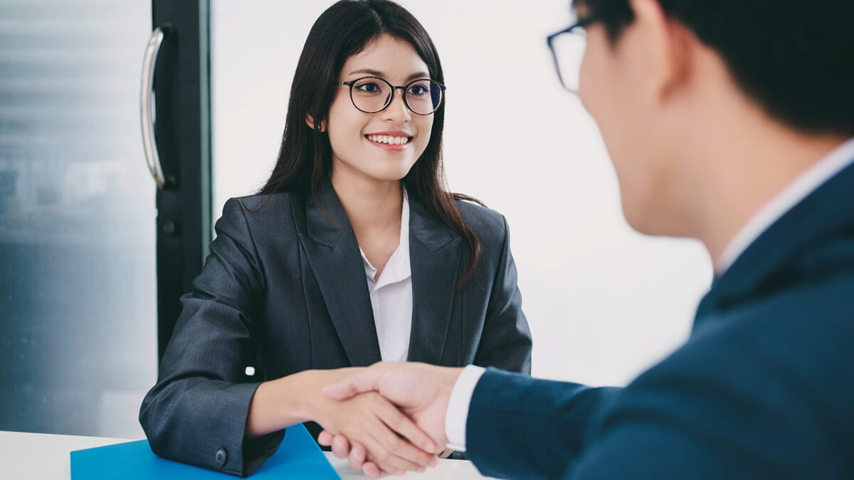 5 Ways a Master's Degree Can Benefit You in an Interview